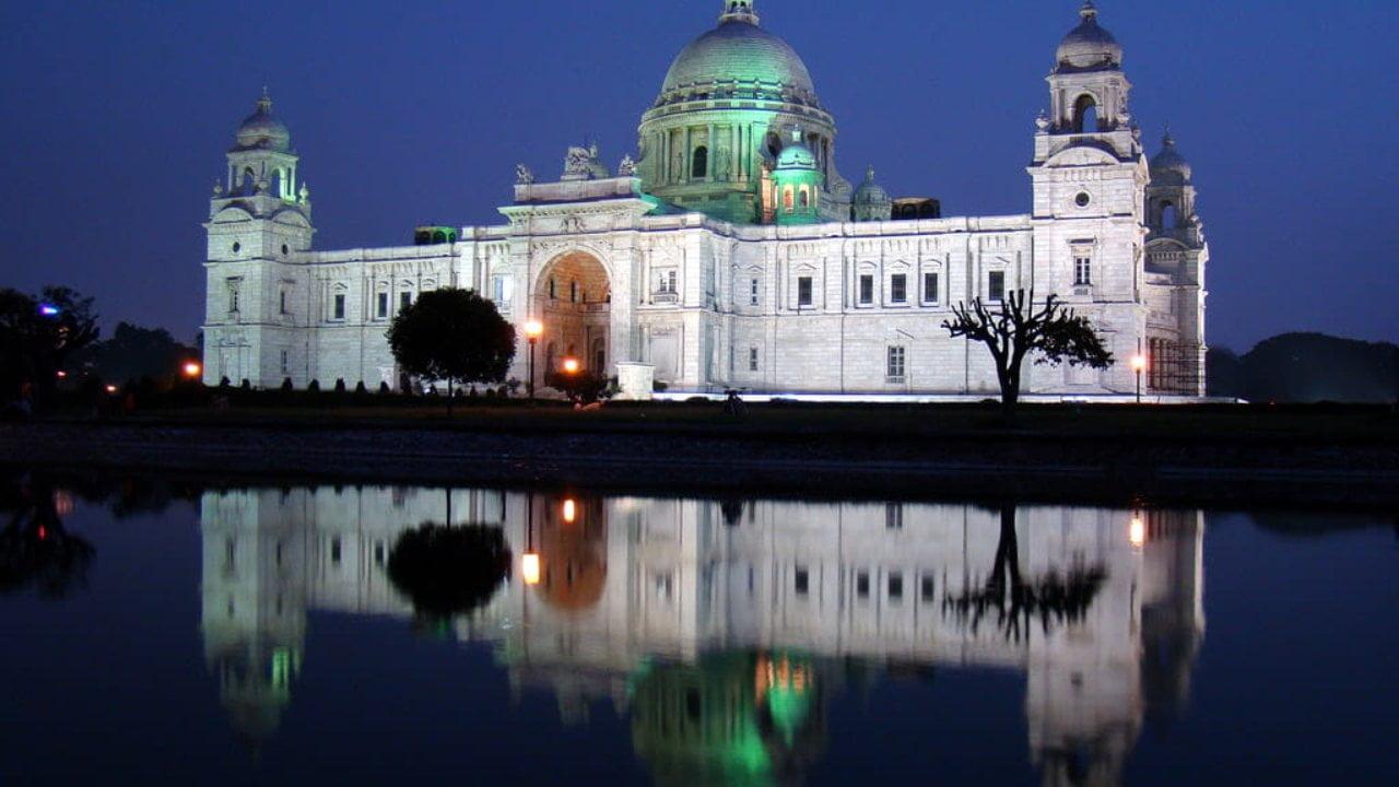Illumination of Victoria Memorial, Kolkata in India - photo from pikrepo.com under CC0 1.0